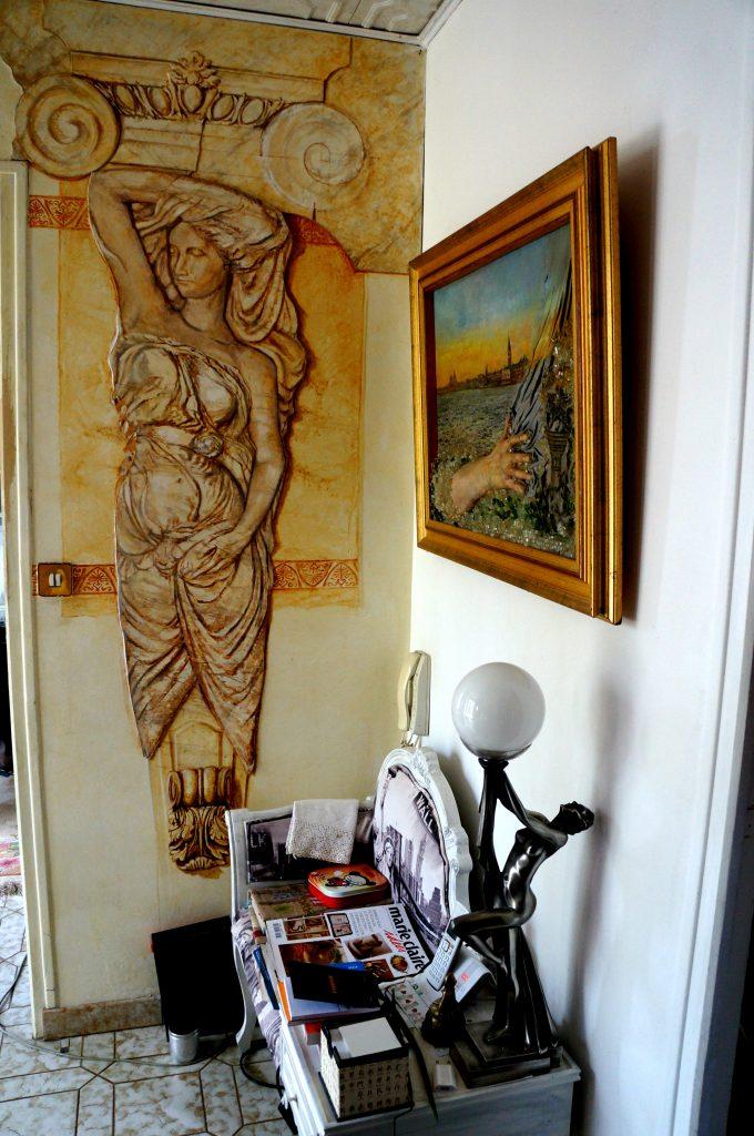 fresk w przedsionku