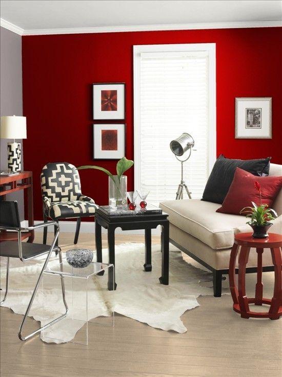 czerwony z czarnym w salonie