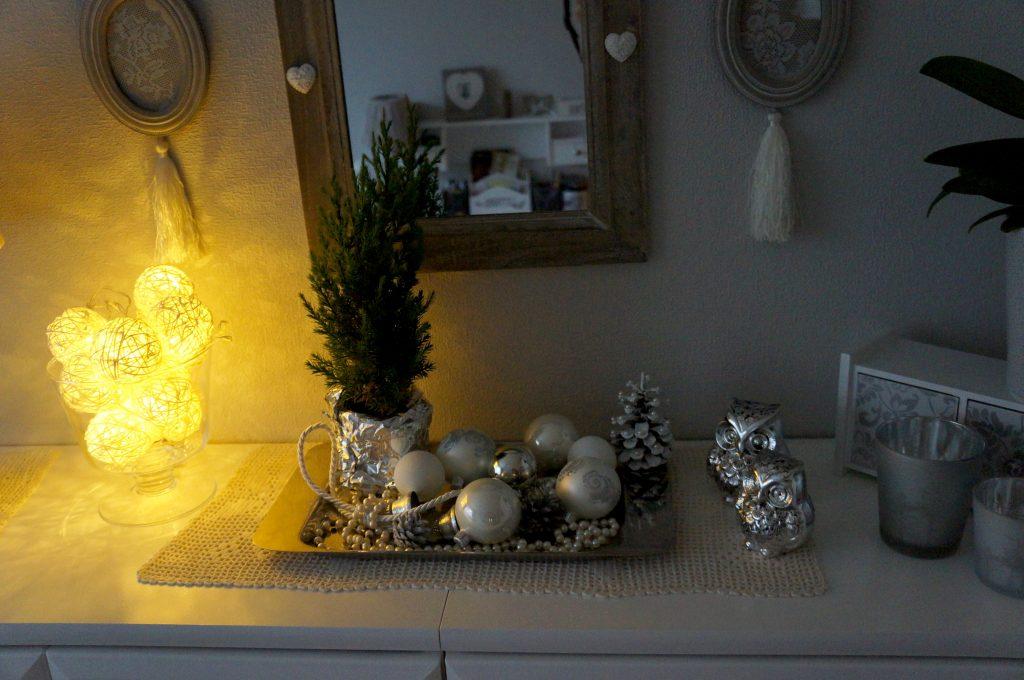 ozdoby świąteczne w półmroku
