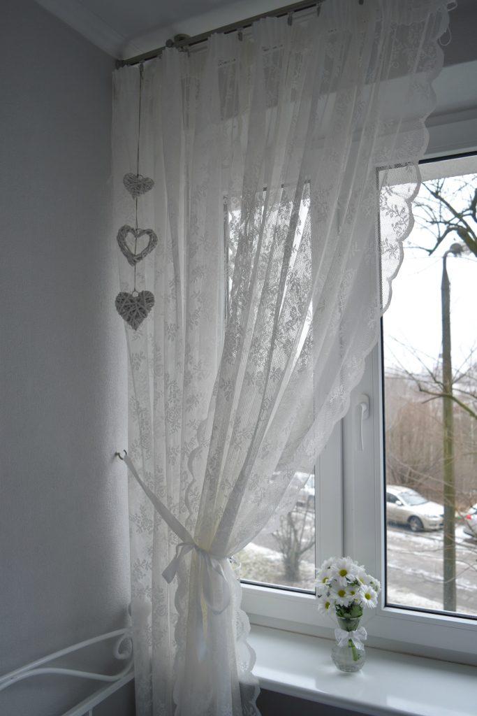 romantyczna firanka do sypialni