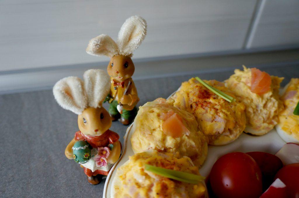przepis na jajka faszerowane