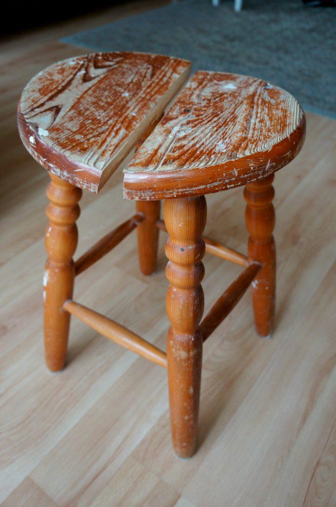 stołek kuchenny przed metamorfozą