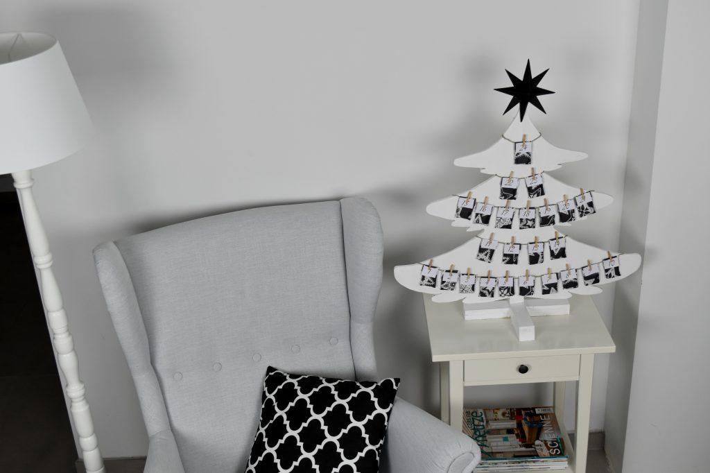 biało-czarny kalendarz adwentowy