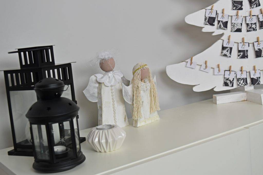 stojące aniołki