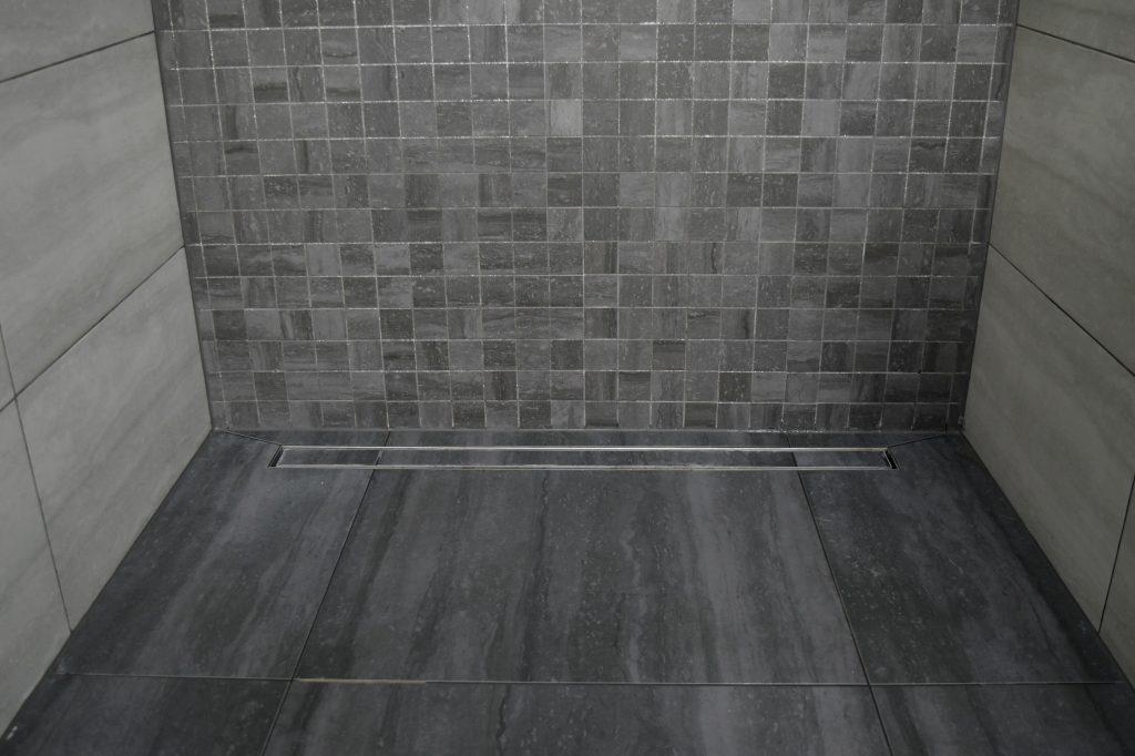 odpływ prysznicowy