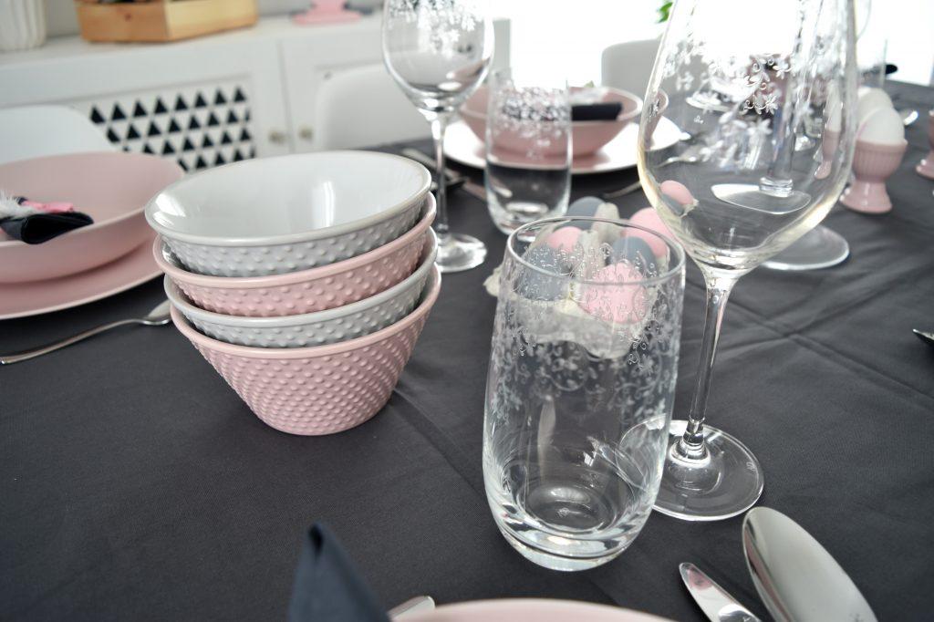 miseczki różowe i szare